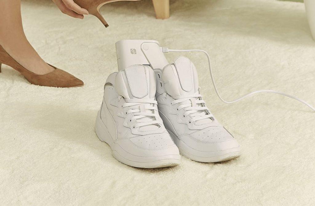 dezinfekčný sušič topánok
